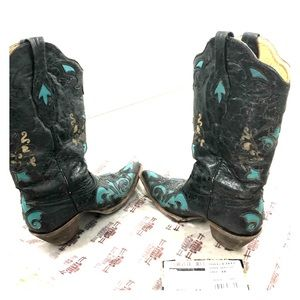 Women's 9 1/2 turquoise vintage corral boots